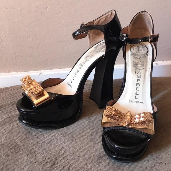 127be5d4e4d3 Jeffrey Campbell Shoes - Jeffrey Campbell platform gold bow patent rare